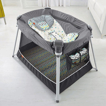 Ultra-Lite Day & Night Play Yard